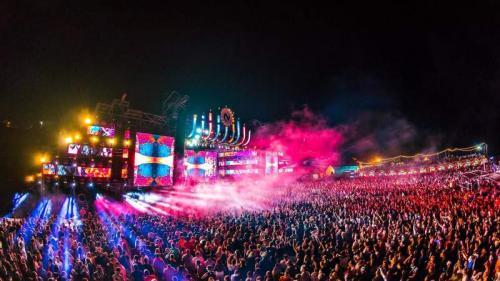 Ce artiști vor urca pe scena celui mai mare festival pe plajă din România, NEVERSEA