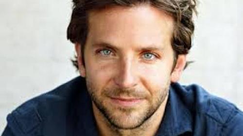 """Bradley Cooper a început negocierile pentru a juca în remake-ul """"Nightmare Alley"""" de Guillermo del Toro"""