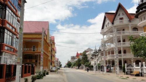 Minunea din Teleorman. Satul cu palate construite la mișto