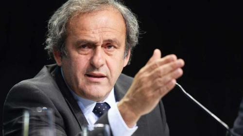 """Fotbal: Pentru Blatter este """"o foarte mare surpriză"""" că Platini a fost reţinut"""