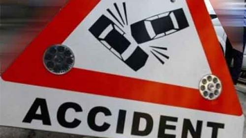 Accident GRAV în Timiș. Un microbuz în care se aflau şapte persoane a fost izbit de un tren Regio