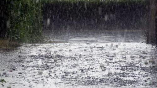Cod portocaliu de furtuni în zone din Timiş şi Hunedoara, în următoarea oră
