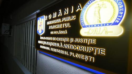 Fostul şef al DNA Ploieşti Lucian Onea şi fostul procuror Mircea Negulescu, trimişi în judecată