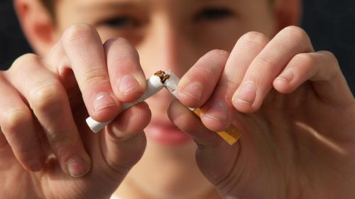 Lăsarea de fumat se face brusc, nu în paşi mici