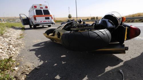 Doi moticiclişti accidentaţi pe Transfăgărăşan, transportaţi la spital