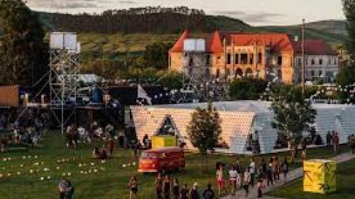 Peste 230.000 de participanţi la Electric Castle