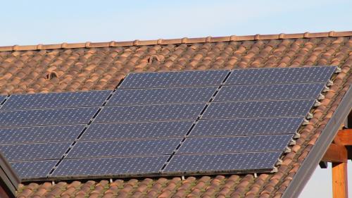 E mai bine să îți montezi panouri fotovoltaice vara?