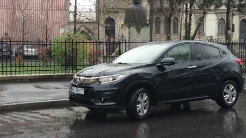 Mașinile parcate neregulamentar în Capitală vor fi ridicate. Tarifele încep de la 500 de lei, plus amenda