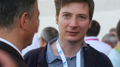 """Andrei Caramitru, dușmanul """"Ciumei Roșii"""", a lucrat cu Victor Ponta, pe vremea când acesta conducea Guvernul PSD"""