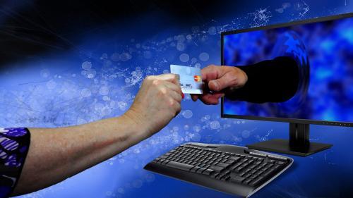 Premieră în Europa: Românii vor putea cumpăra în rate direct cu cardul Visa