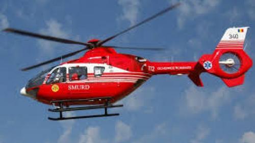 Vâlcea: Elicopter SMURD, solicitat de urgenţă pentru preluarea unui bărbat care s-a răsturnat cu tractorul
