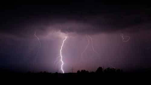 ANM: Cod portocaliu de furtună în judeţele Galaţi şi Vrancea