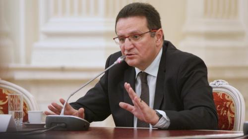 Cu o avere de un milion de euro, ambasadorul Maior este dator vândut la neamurile din Germania