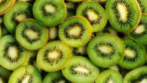 Fructele de kiwi ajută la un somn mai bun