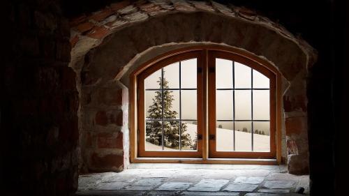 Sezonul rece. Care sunt izolațiile care țin iarna la ușă