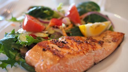 Alimentele cu grăsimi care te ajută să slăbești și de ce nu trebuie să renunți la grăsimi nici când ții cură