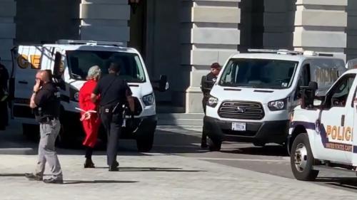 Jane Fonda a fost arestată la Washington, în timpul unui protest