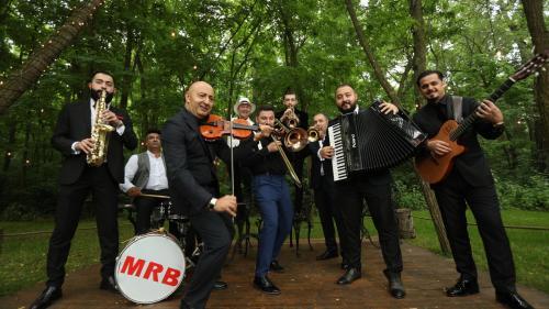 """Lăutarii nobili de la periferia orașului"" sau Mahala Rai Banda - concerte explozive pe scenele de la EUROPALIA"