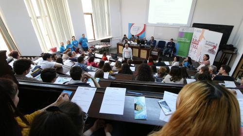 Peste 100 de universități din 12 țări vor fi prezente la târgul educațional RIUF