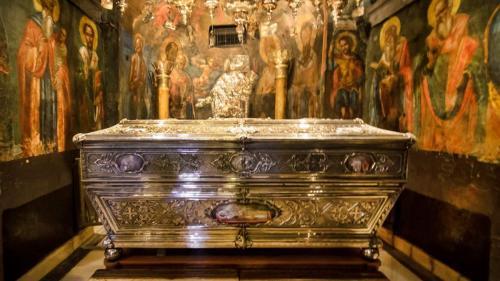 Record de credincioşi la hramul Cuvioasei Parascheva
