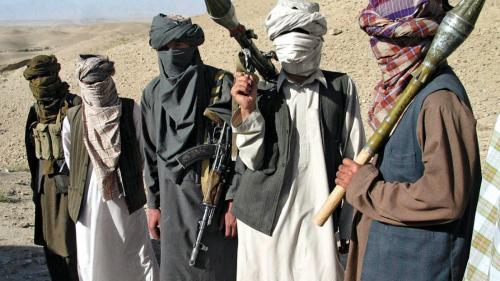 Atentat într-o moschee din Afganistan: Cel puţin 62 de morţi şi 33 de răniţi