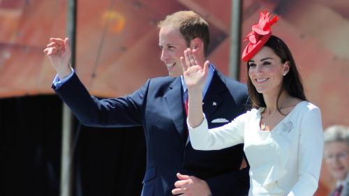 Ducii de Cambridge au ajuns cu întârziere la Islamabad, după o călătorie cu peripeții
