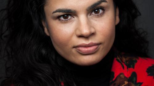 Istoria sclaviei romilor povestită de prima regizoare de etnie romă, Alina Şerban