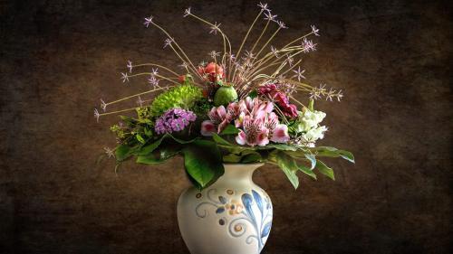 Sfatul specialiştilor.Cum păstrăm florile din vază proaspete mai multă vreme