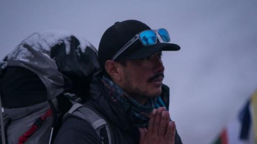 Record în alpinism. Un nepalez a escaladat cei mai înalți 14 munți din lume în șase luni