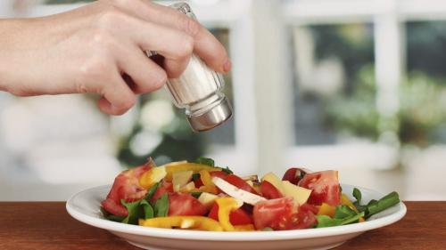 Alimentele vegane sunt tot mai căutate de români. Vânzările au crescut spectaculos în acest an