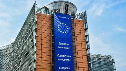 Lovitură de proporții. Înalta Curte, pusă în genunchi de Comisia Europeană. Judecătorii trebuie să respecte Constituția