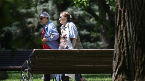 De ce ar trebui menținute în activitate persoanele vârstnice