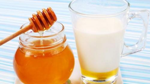 Mierea românească are proprietăți antibacteriene mai puternice decât mierea de Manuka