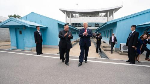 Kim Jong-un îi dă cu flit lui Donald Trump