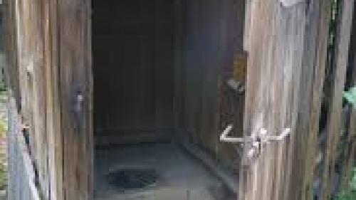 România, singura ţară din UE unde peste un sfert din populaţie are toaleta în afara casei