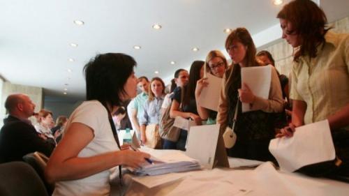Jumătate dintre români vor să-și schimbe locul de muncă până la sfârșitul anului