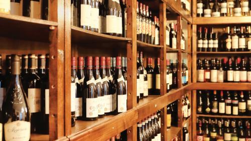 Prima licitație profesionistă de vinuri din România  O poveste de milioane la doar 50 de euro