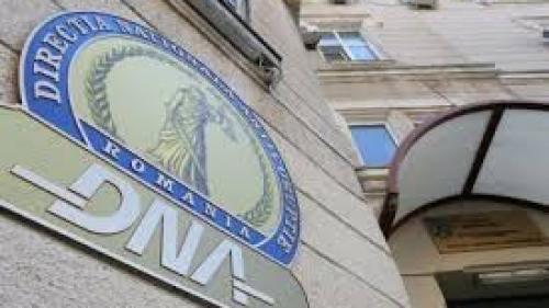 Cazul mitei la DRDP: Lideri PSD Arad, suspectaţi de procurori că luau bani şi pentru angajări la CNAIR
