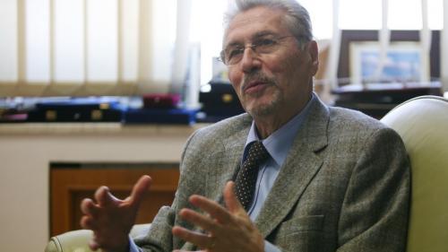 Emil Constantinescu, președintele României 1996-2000: Viața mea s-a schimbat radical atunci când am auzit sunetul armelor automate care trăgeau în oameni
