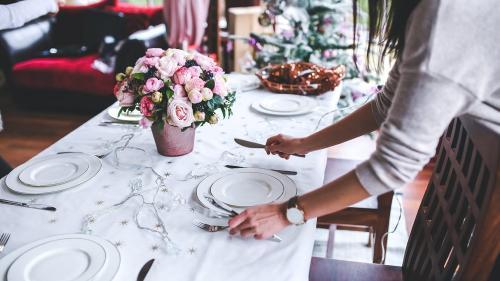 Cum să eviţi conflictele la mesele de sărbători