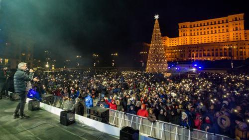 Peste 90 de mii de spectatori la Revelionul din Piata Constitutiei