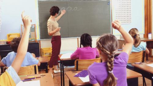 Coaliţia pentru Educaţie propune ca anul şcolar să înceapă mai repede şi vacanţele să fie mai scurte
