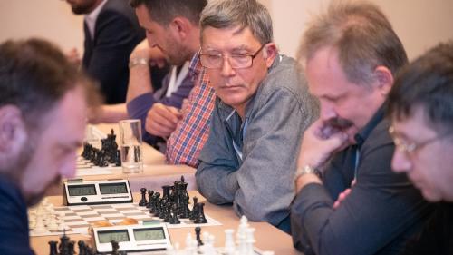 250 de ore de șah pentru corporatişti şi iubitori ai sportului minţii