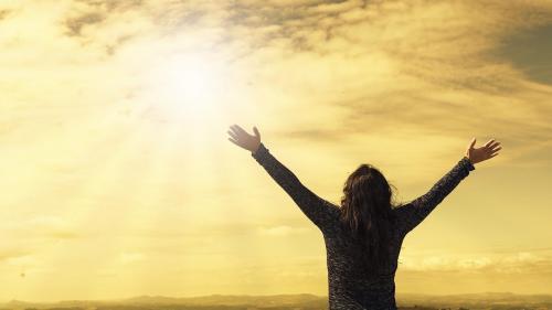 Opinia psihologului: Cum sabotăm fericirea noastră și a celor din jur?
