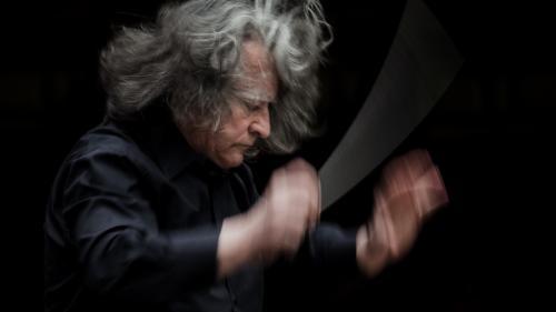 """Concert extraordinar dirijat de Horia Andreescu  la Filarmonica """"Banatul"""" din Timişoara"""