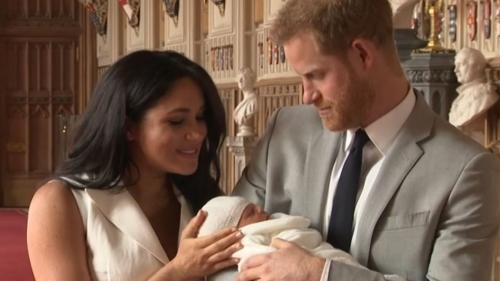 Prințul Harry a părăsit Regatul Unit. În Canada se va întâlni cu soția și fiul său