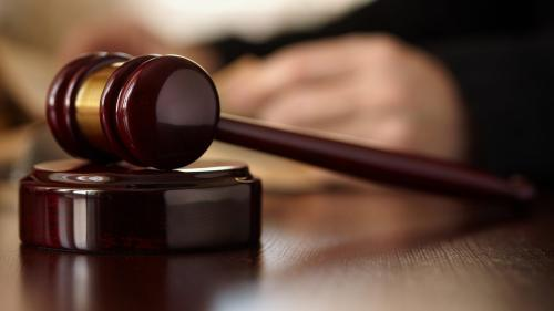 Eliminarea pensiilor de serviciu: Magistrații din Alba Iulia și-au suspendat activitatea în semn de protest