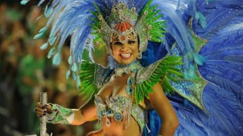 Carnavalul de la Rio de Janeiro a început. Cele mai renumite școli de samba vor defila pe străzile orașului