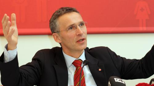 Jens Stoltenberg respinge propunerea lui Emmanuel Macron
