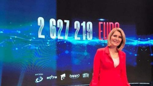 Peste 2.6 milioane de Euro s-au strâns în cadrul teledonului Români Împreunã, organizat de Antena 1, Antena Stars, Happy Channel, ZU TV, Antena 3 şi Fundaţia Mereu Aproape şi suma nu se opreşte aici